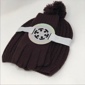 New York and company hat and gloves gift set